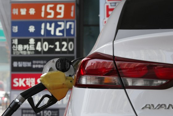 首尔汽油价格连续三天下跌100韩元 到1400韩元左右的加油站