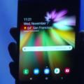三星展示带InfinityFlexDisplay的可折叠手机